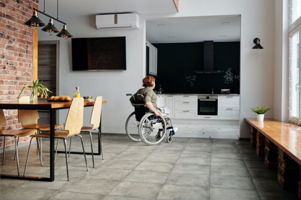 Plattformlift_Rollstuhl Hebebühne